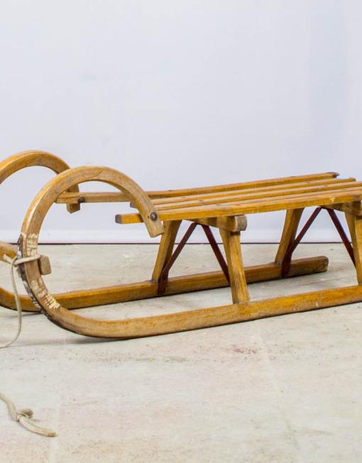 Antiik puidust kelk
